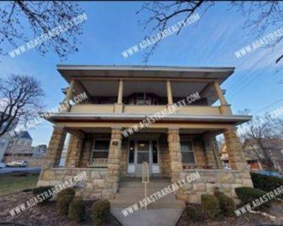 200 W 34th St #1E, Kansas City, MO 64111 1 Bedroom Apartment