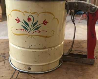 Vintage Androck Hand-i-Sift Flour Sifter Tulip Style