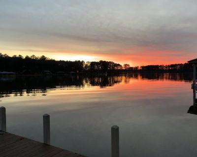 Lake Gaston Family Home w/ Dock Bar & Private Sandy Beach! - Henrico