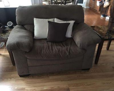 Sofa, Loveset, Recliner, Storage Ottoman & Throw Pillows