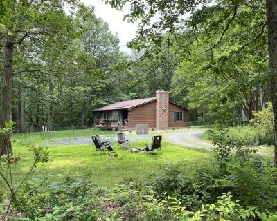 Tall Oaks Cabin, Walk to Wineries and Breweries! - Leesburg