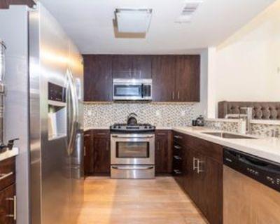 436 S Virgil Ave #206, Los Angeles, CA 90020 3 Bedroom Apartment