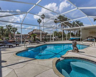 Rive Gauche - fast access Gulf of Mexico, contemporary interior, heatable pool - Yacht Club