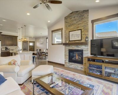 Pristine and luxurious townhome with the finest of amenities. - Kamas