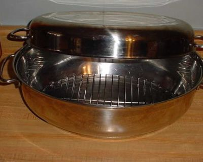 Barely Used Extra Large Professional 9.5 Quart Capacity High Quality Stainless Steel Multi-Purpose Oval Oven Cookware Roaster Complete...