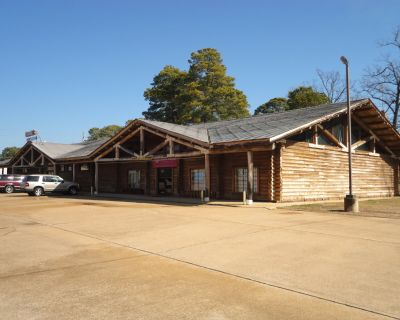 10,000 SF Commercial Building on 2.9 Acres