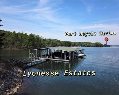 """2 Lake Lanier Lots w/private """"Covered"""" quiet Community Boat dock. Gated Lake Lanier Community."""