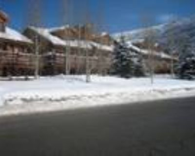 Lower Deer Valley Town Home Chaparral 402