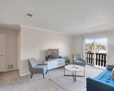 Relaxing 1BR Suite Near Golf Club