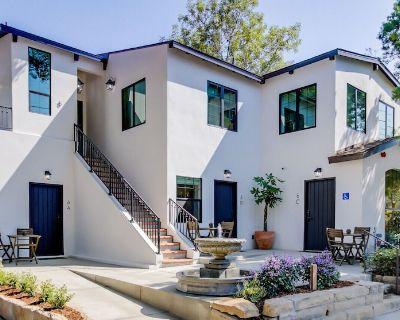 Casa Valerio Unit 6C-Boutique Suite in Downtown Santa Barbara - Upper East