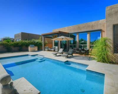 Beautiful, Contemporary Home w/ Gorgeous Views, a Private Pool, & gas Grill - Dove Mountain