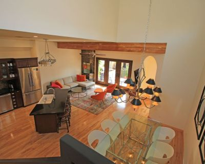 STUNNING! Updated 2 BDRM Townhome in Desirable Ironwood Country Club - Palm Desert