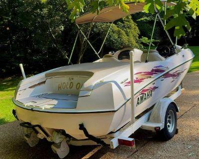 2000 Custom LS2000 Yamaha Jet Boat