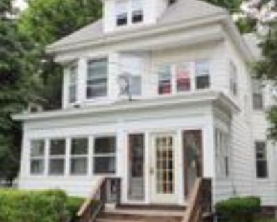 33 Barclay St, Albany, NY 12209 3 Bedroom Apartment