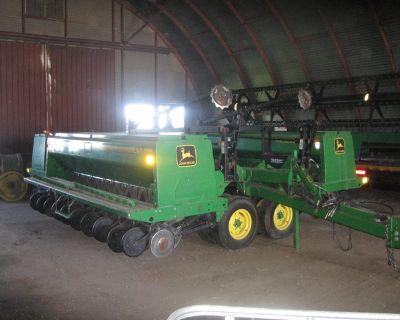 John Deere 1998 35' 455 Grain Drill Markers & Monitor