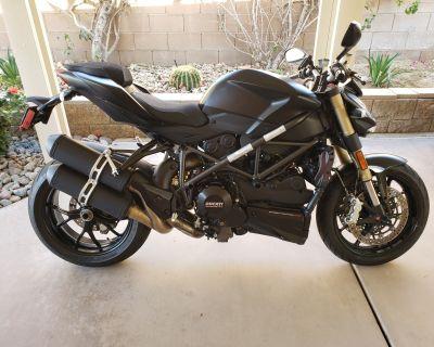 2012 Ducati Streetfighter