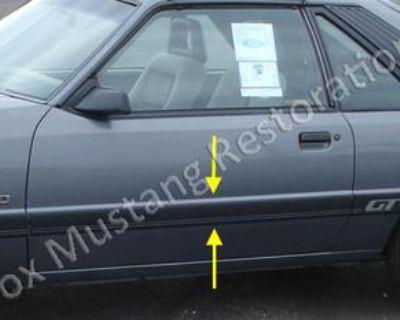1985 & 1986 Mustang Body Side Door Molding Left Hand