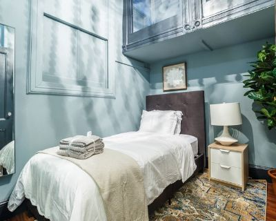 Furnished Private Room in Hells Kitchen #137 1B