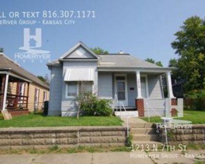 1213 N 7th St, Saint Joseph, MO 64501 2 Bedroom House