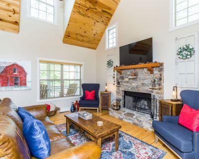 *New Listing* Deerfield Cottage in Dahlonega, GA - Dahlonega