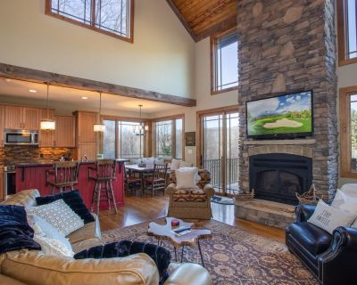 Upscale 3BR Mtn Cottage,Views, Clubhouse, Theatre, Game Tables, Fitness Center, Skiing - Elk Park