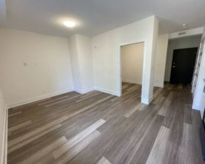261 Columbus Avenue #001, Ottawa, ON K1K 1P5 Studio Apartment