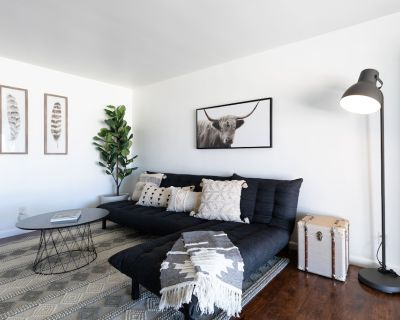 C3- Modern Black & White Interior w/ a Warm Boho Edge - Desert Hot Springs