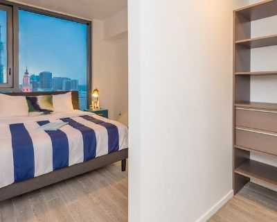 Large Closet Space in this Clean Dtown Miami Apt