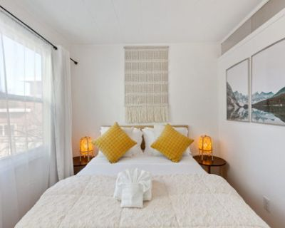 CLEAN Cozy Room near FOOD/BART/ Shopping/Freeway