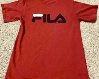 FILA T-shirt RED -size small
