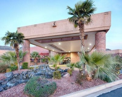 Great Deal at Red Lion Hotel St. George! Gym, Business Center, Restaurant! - St. George