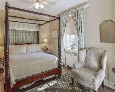 Cedars of Williamsburg Bed & Breakfast - Williamsburg