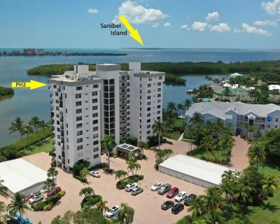 Gorgeous Penthouse Condo! Stunning Gulf & Bay Views! Heated Pool, Tennis, Available Boat Dockage! - Fort Myers Beach