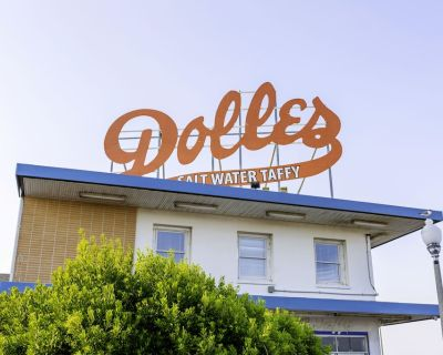 Sleep Under the Sign at the Most Iconic Oceanfront Location in Rehoboth! - Rehoboth Beach