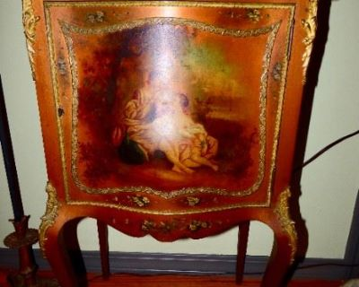 Estate Sale Downsizing, NOT your average sale, Offering Fine Antiques, Vintage, Collectable Items