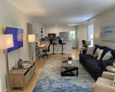 Medical Center Area Home | Centrally Located SA | 2 King Beds - Leon Valley