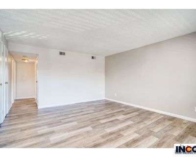 Lovely Three bedroom two bath apartment!