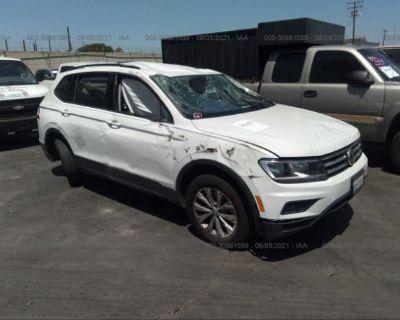 Salvage White 2020 Volkswagen Tiguan