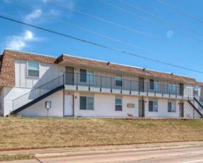 1001 E Main St #1, Edmond, OK 73034 2 Bedroom Apartment