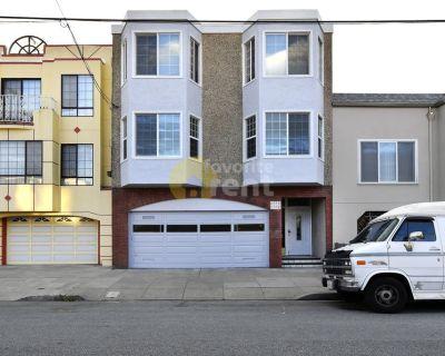 Apartment 2 bedroom plus garage in Sunset District, San Francisco