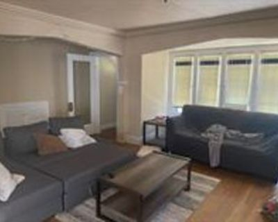 3035 N Stowell Ave #LOWER, Milwaukee, WI 53211 3 Bedroom Condo