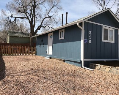 Newly Remodeled Pet Friendly Cottage - Old Colorado City