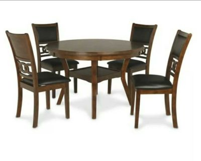 5 Piece Dining Room Table and Chairs Set