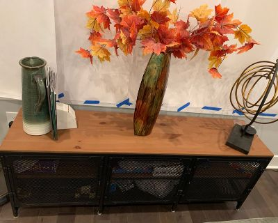 Media Console $75, in very good condition!