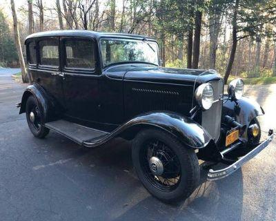 1932 Ford Sedan 4-door 5-Window All-Steel Barn Find Deluxe Five-Window Flathead V8 Original Restored Sedan Stock