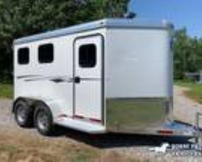2021 Adam Mustang Slant BP 2 horses