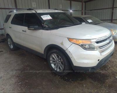 Salvage White 2012 Ford Explorer