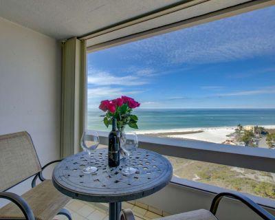 Private Beach, Full Gulf Views, Wifi/Cable, Heated Swimming Pool Overlooking Ocean, Walk to Village - Siesta Key