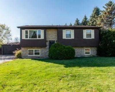 38930 N Northwestern Ave, Wadsworth, IL 60083 3 Bedroom Apartment