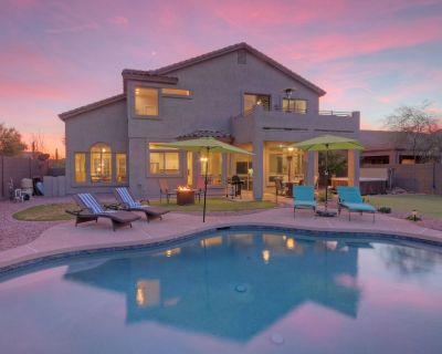 EXQUISITE Home on Las Sendas Golf Course: Optional Heated POOL, HOT TUB, Putting Green - Las Sendas